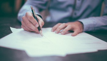 Processo de Venda Restrito ou Aberto? Vantagens e Desvantagens